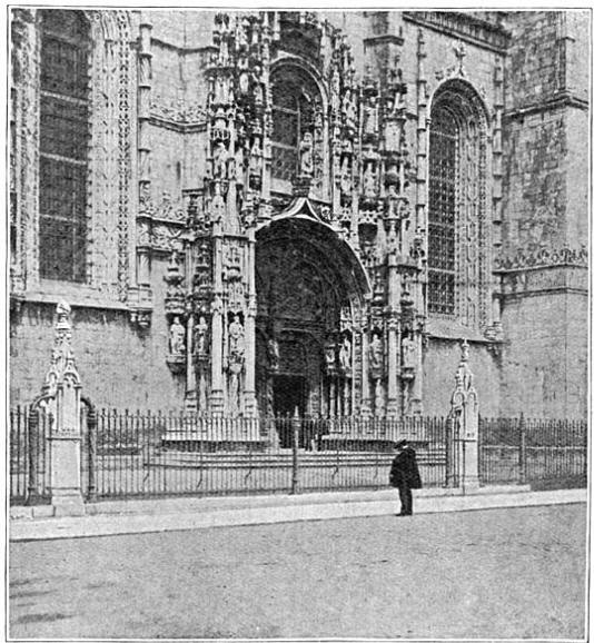 De groote portiek van het klooster te Belem.